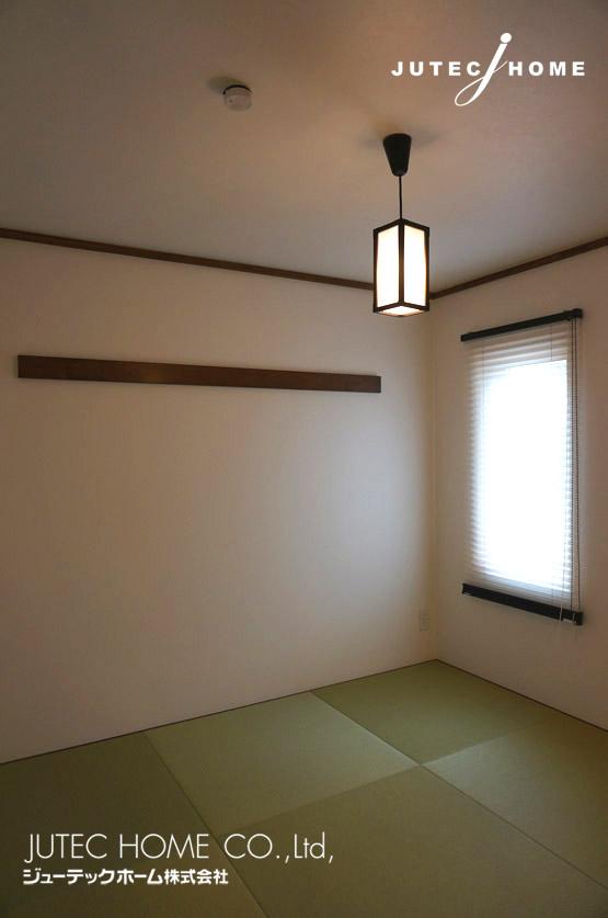 カリフォルニアスタイルの家 モダン和室 畳